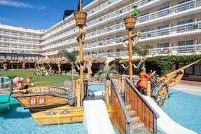 hotels amb tobogans a la costa brava