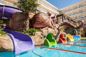 hoteles con toboganes en la costa brava