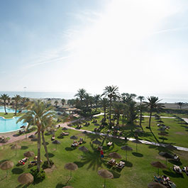amplios jardines  evenia zoraida beach resort