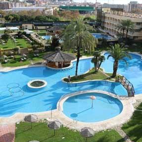 Piscina tropical Evenia Olympic Resort